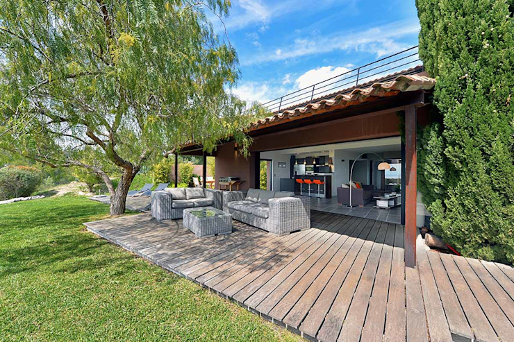 Atelier Jean GOUZY Mediterranean style balcony, porch & terrace