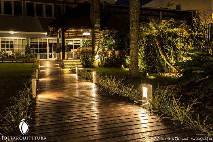 iost Arquitetura e Interiores Couloir, entrée, escaliers tropicaux Bois Effet bois
