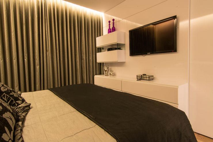 Stark Arquitetura Modern style bedroom
