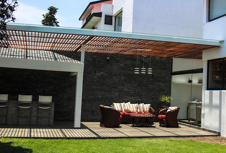 Terraza Spazio3Design Balcones y terrazas modernos Gris