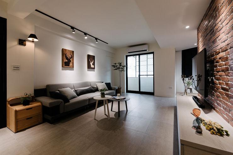 隹設計 ZHUI Design Studio Ruang Keluarga Gaya Eklektik