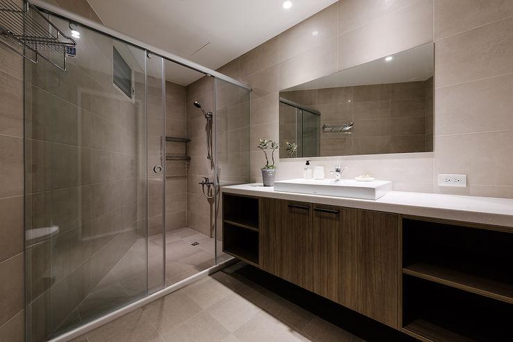 隹設計 ZHUI Design Studio Ванная комната в эклектичном стиле