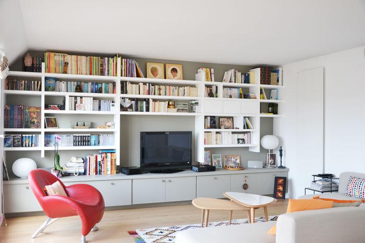 Séjour / bibliothèque A comme Archi Salon moderne Beige