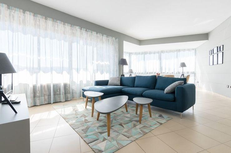 eM diseño de interiores 现代客厅設計點子、靈感 & 圖片