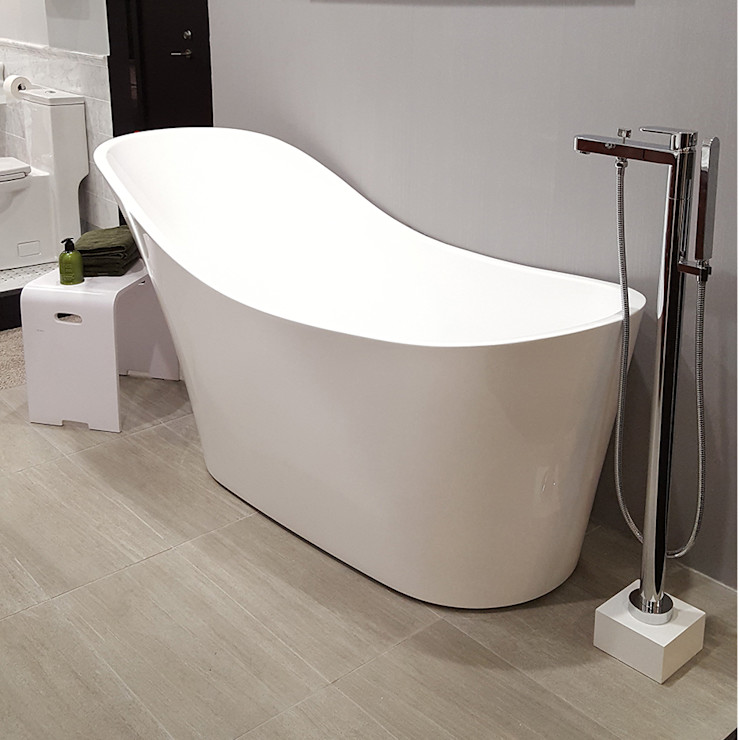 Serenity Bath モダンスタイルの お風呂 白色