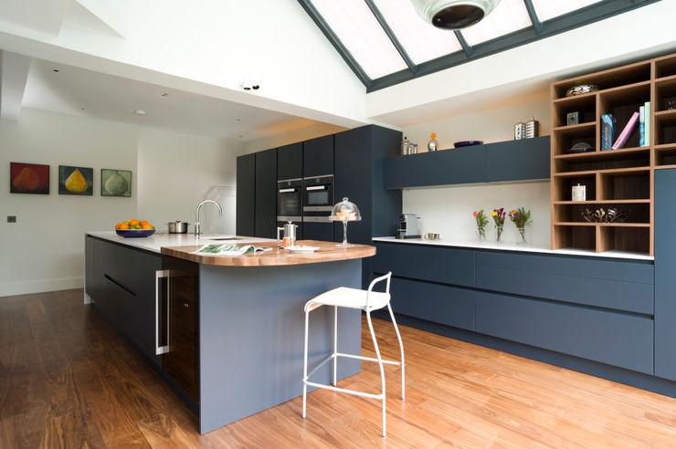 Pedini Arkè in Blue Night and Elm Urban Myth Modern style kitchen Blue