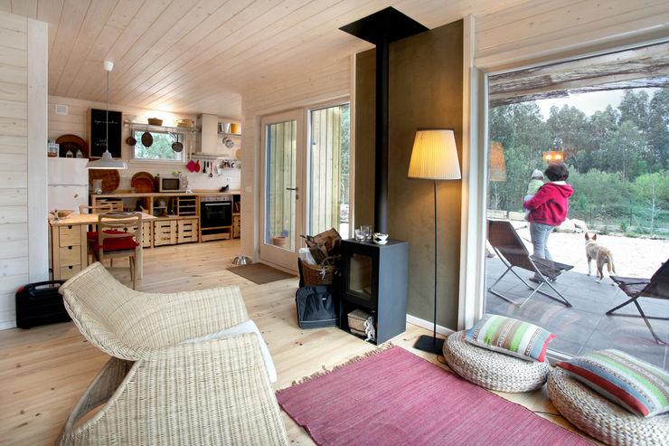 RUSTICASA Minimalist living room Wood White