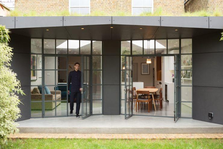 Patio Fraher and Findlay Minimalist style garden