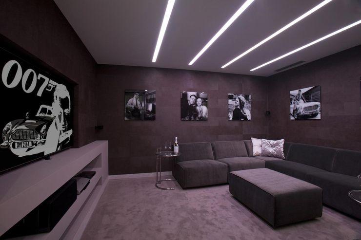 Sala cine Miralbo Urbana S.L. Salas multimedia de estilo moderno