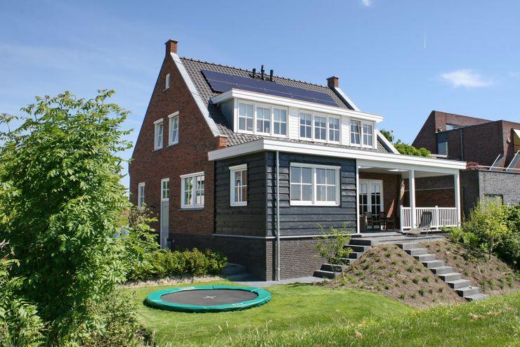 Brand I BBA Architecten Classic style houses