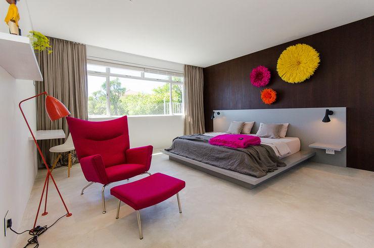 GSQUARED architects غرفة نوم خشب معالج Pink