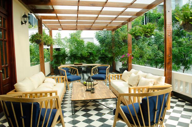 RCRD Studio Balcones y terrazas de estilo rústico