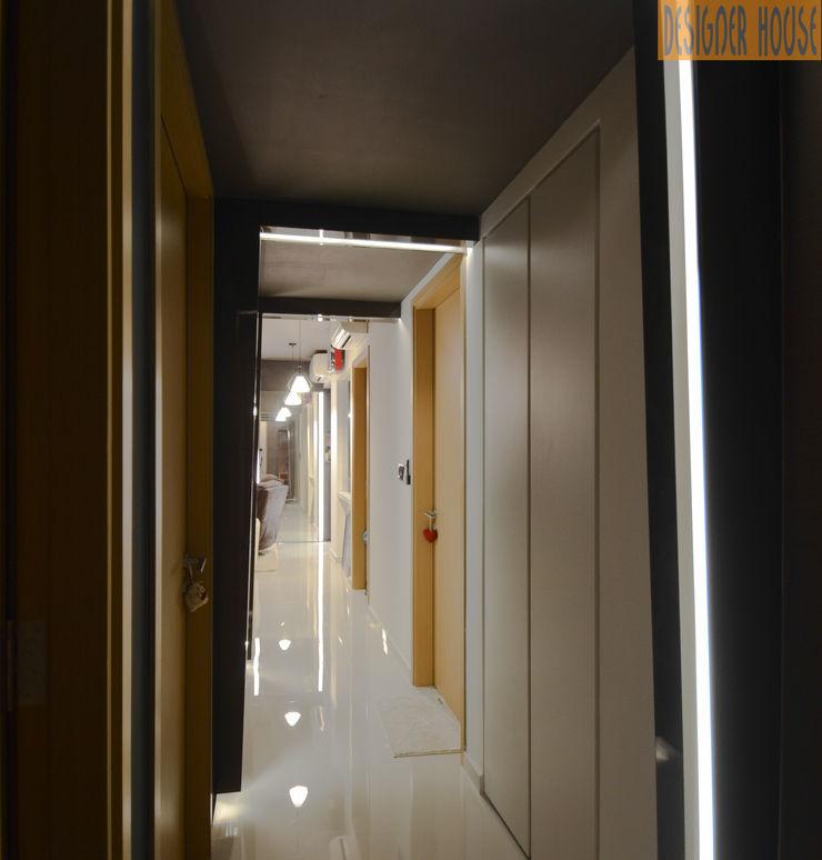 Corridor Designer House Modern Corridor, Hallway and Staircase Plywood Black