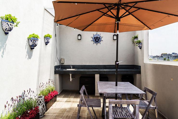 Choapan Decor Erika Winters Design Balcones y terrazas de estilo moderno