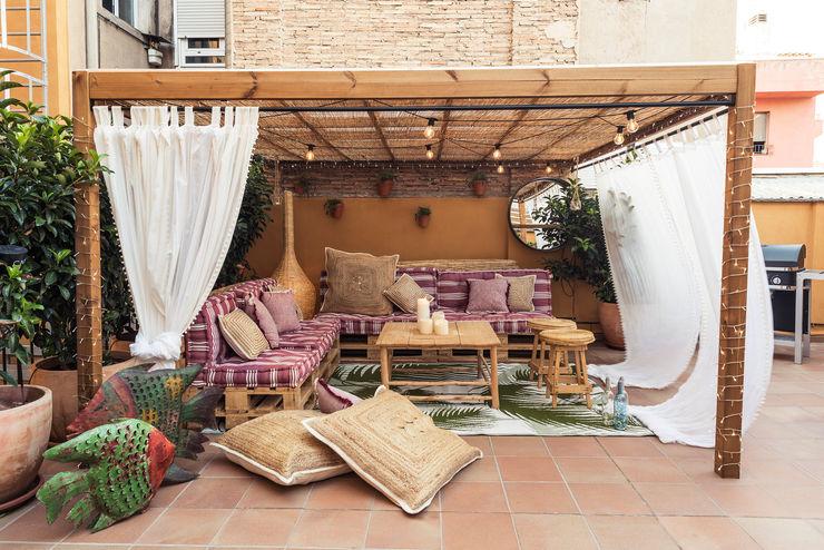 idees Disseny Country style balcony, porch & terrace