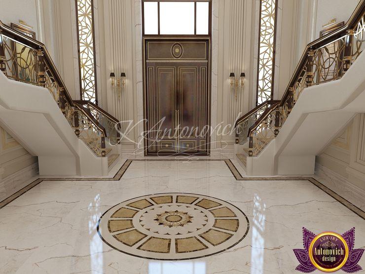 Luxury Antonovich Design Pasillos, vestíbulos y escaleras de estilo clásico
