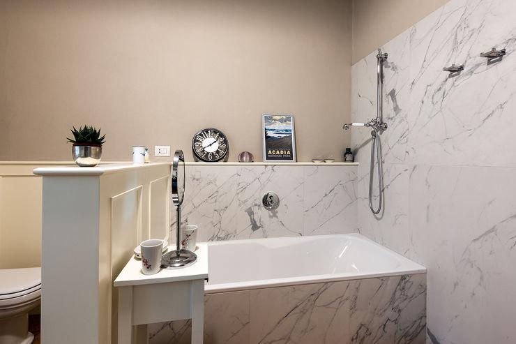 Bagno Gruppo Censeo S.r.l. Bagno in stile classico Marmo Bianco