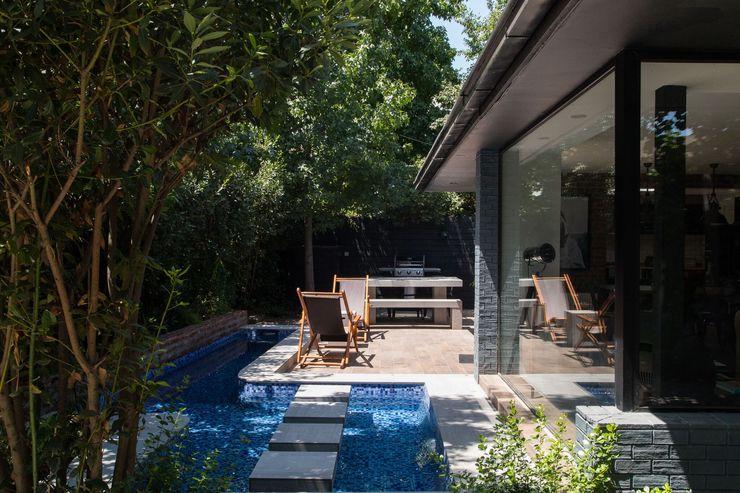 RENOarq Balcon, Veranda & Terrasse modernes Tuiles Bleu