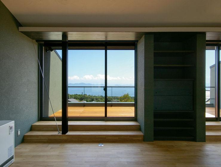 一級建築士事務所アールタイプ Varandas, alpendres e terraços modernos Vidro Transparente
