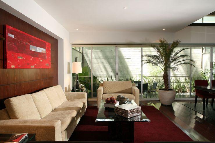 JMS Interiores Muebles y Construcción 现代客厅設計點子、靈感 & 圖片 複合木地板 Red