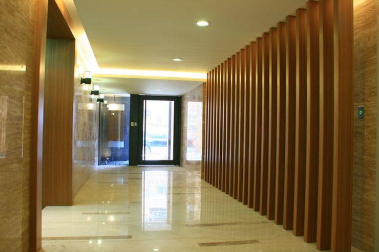 昱紘823 云鼎設計/陳柏壽建築師事務所 玄關、走廊與階梯配件與裝飾品