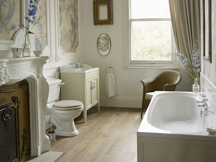 Dorchester suite with fitted bath Heritage Bathrooms Classic style bathroom