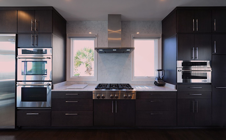 Olamar Interiors, LLC Cocinas de estilo moderno Blanco