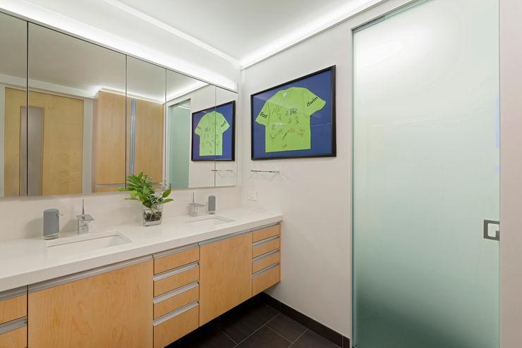 BOWA - Design Build Experts Baños de estilo moderno
