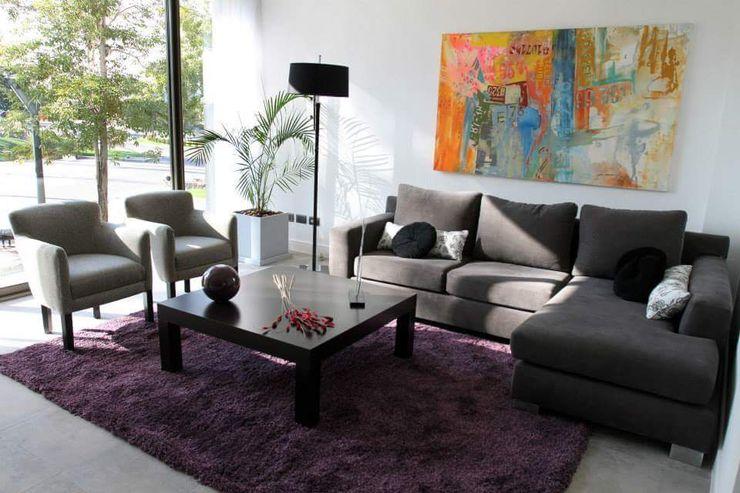 Estudio Karduner Arquitectura Modern living room Wood Purple/Violet