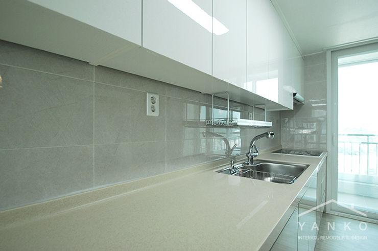 얀코인테리어 Modern style kitchen