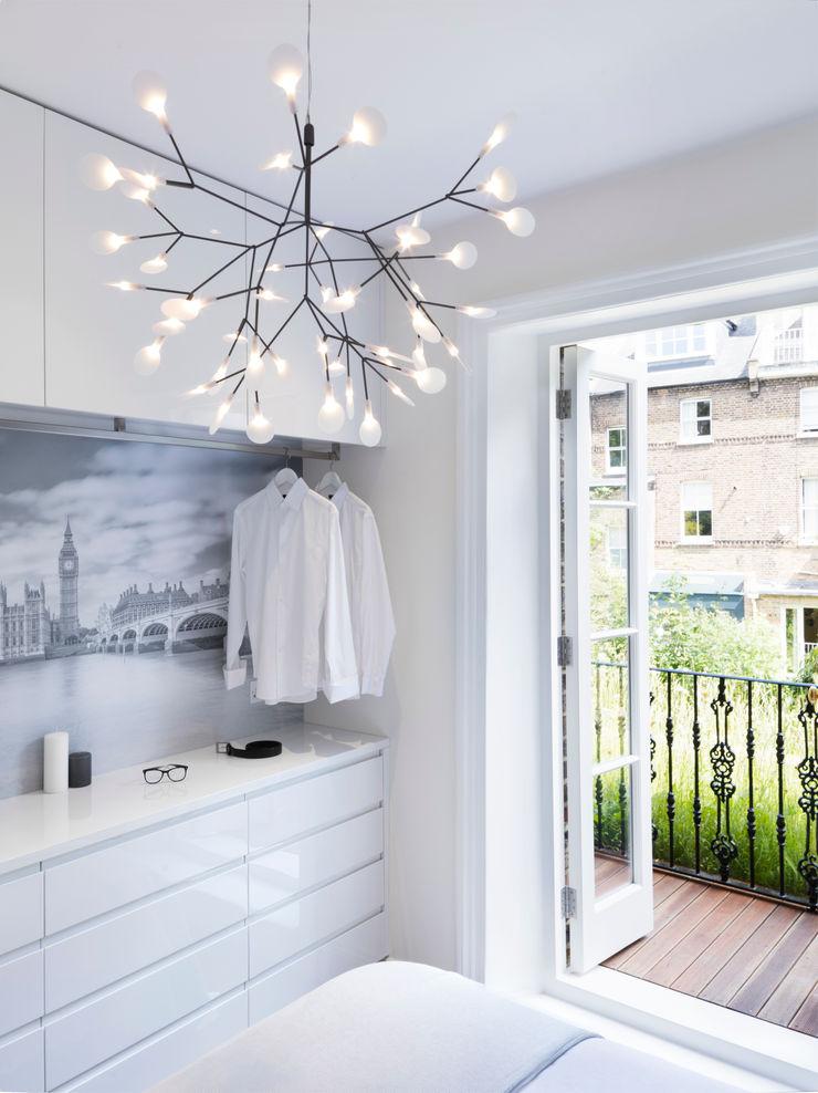 Master bedroom Brosh Architects Minimalist bedroom White