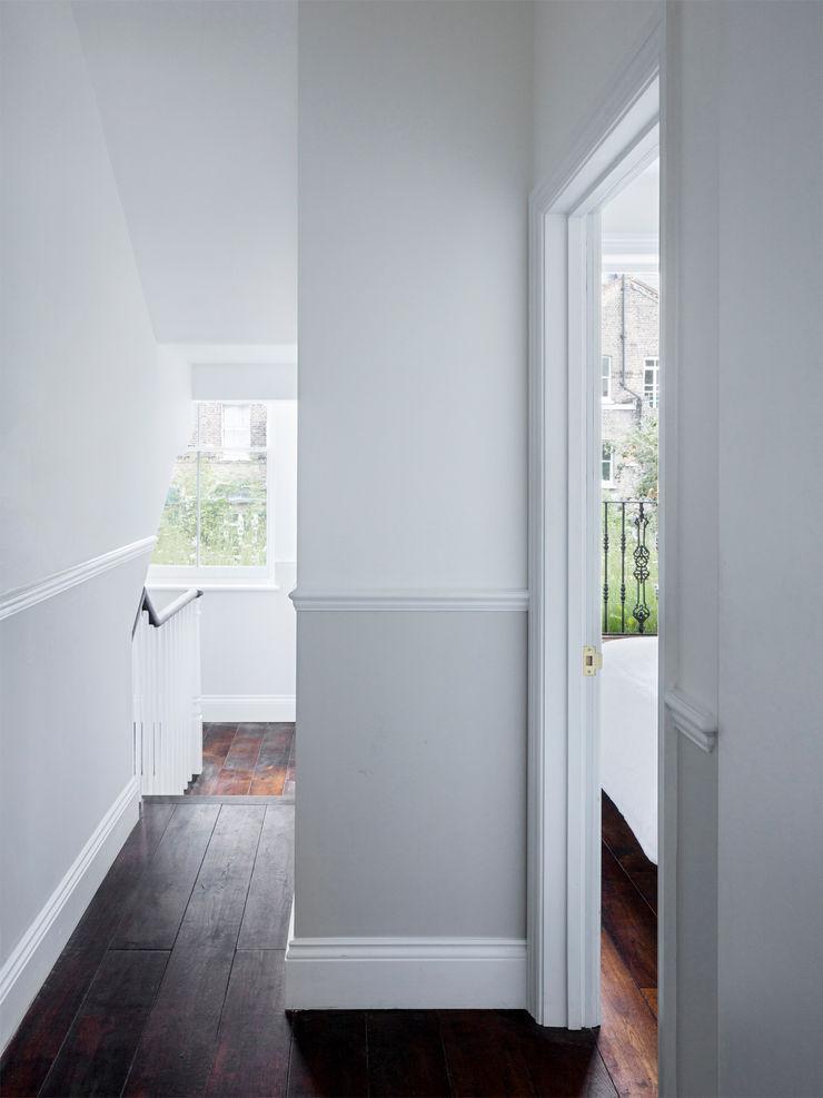 Hallway Brosh Architects Modern Corridor, Hallway and Staircase