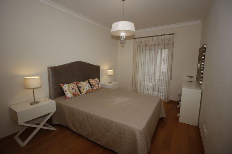 H&P Mobiliário e Decoração BedroomBeds & headboards Textile Grey