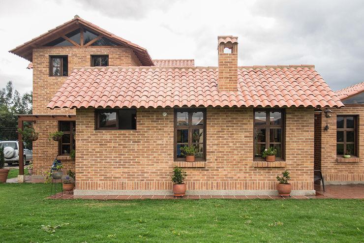 ENSAMBLE de Arquitectura Integral 房子 磚塊