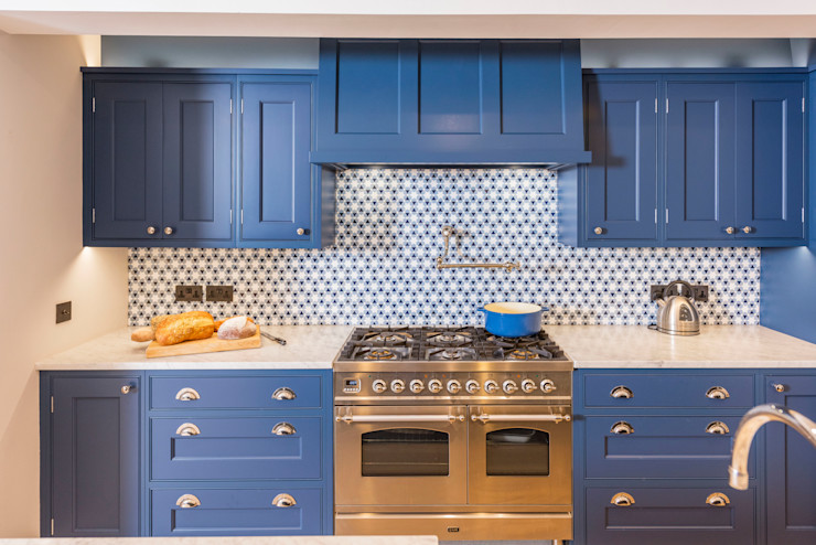 Kensington Blue Kitchen Tim Wood Limited مطبخ