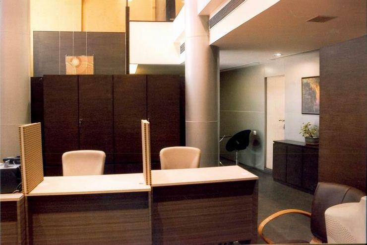 Studio - Architect Rajesh Patel Consultants P. Ltd Espaços comerciais modernos