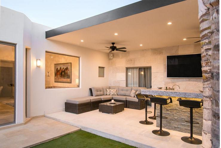 S2 Arquitectos Modern style balcony, porch & terrace