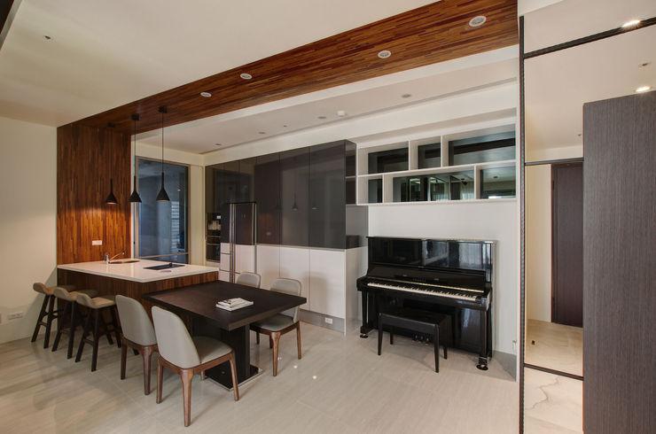 現代簡約家居 哲嘉室內規劃設計有限公司 現代廚房設計點子、靈感&圖片