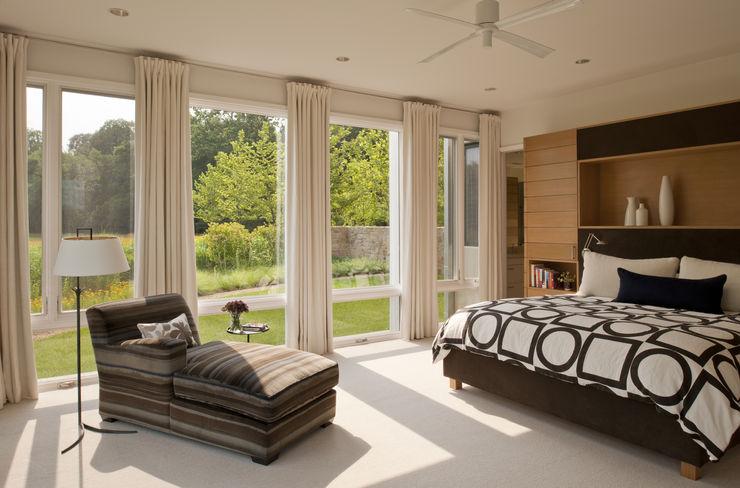 BOWA - Design Build Experts Спальня в стиле модерн