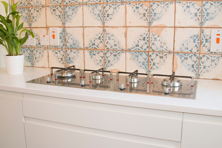 Striking Ceramic Tiles, and a modern SMEG hob ADORNAS KITCHENS Built-in kitchens Wood Beige