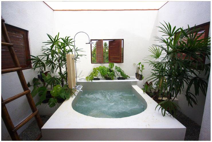 Kannan - Sonali and Gaurav's residence Sandarbh Design Studio Eclectic style spa