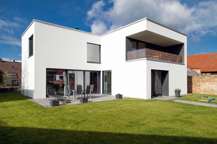 Südansicht PlanKopf Architektur Einfamilienhaus Weiß