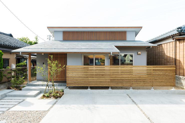 株式会社山口工務店 Wooden houses Aluminium/Zinc White
