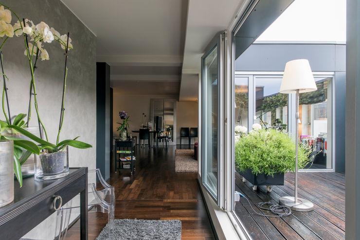 Penthauswohnung Ohlde Interior Design Klassischer Flur, Diele & Treppenhaus Beton Grau