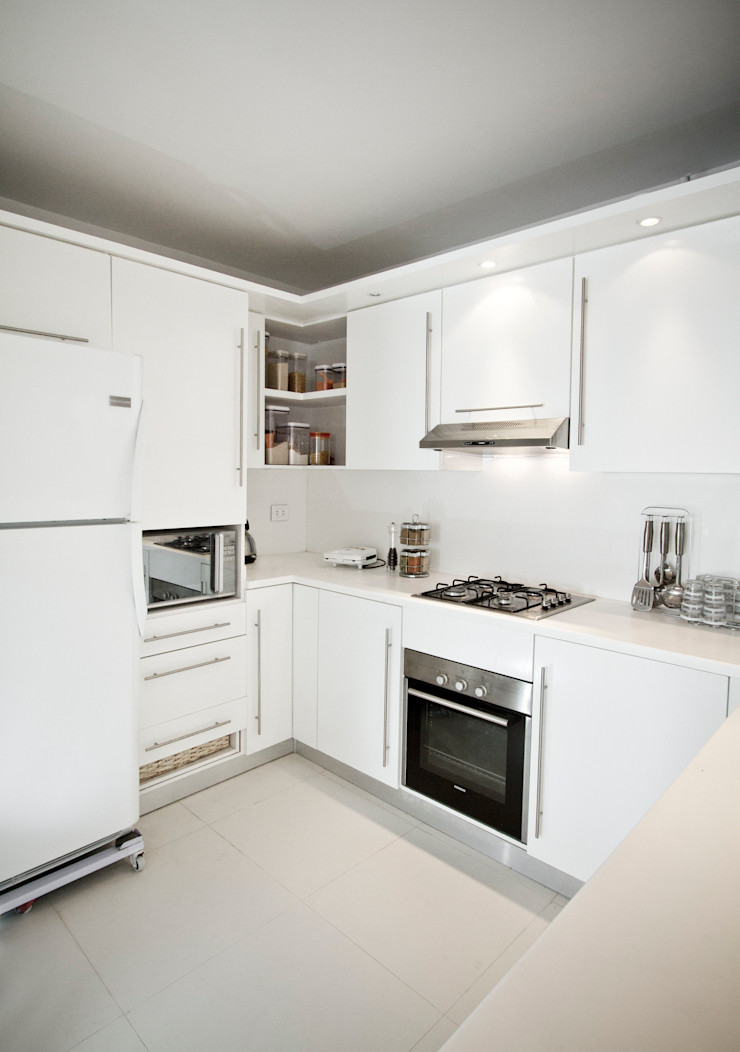 Kitchen CUBEArchitects Cocinas de estilo minimalista Blanco