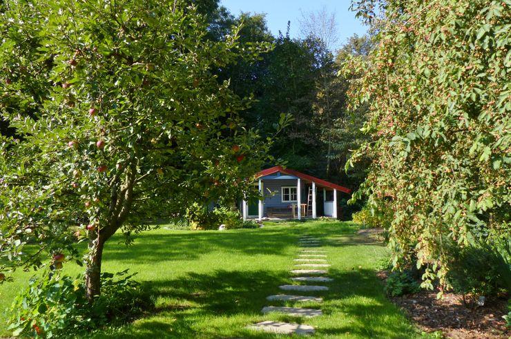 Gartenhütte in der Westecke, oberhalb des Flusses Itz KAISER + KAISER - Visionen für Freiräume GbR Garten im Landhausstil