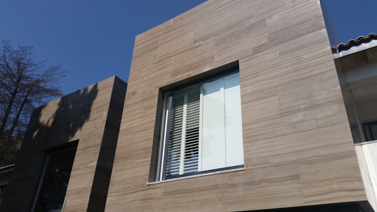 homify Windows & doors Blinds & shutters Aluminium/Zinc White