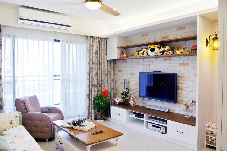 長城工程設 Country style living room White