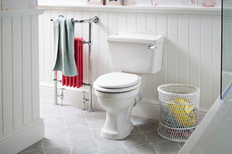 Rhyland WC with Baby Clifton heated towel rail homify Phòng tắm phong cách kinh điển