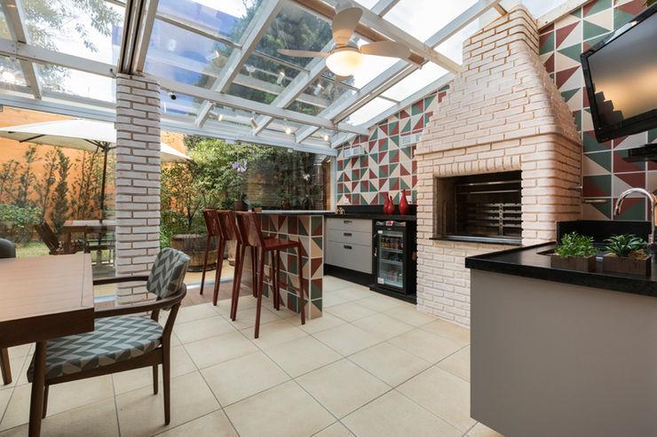 Maluf & Ferraz interiores Balcones y terrazas modernos Verde